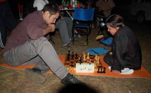 Турнир по шахматам затянулся до поздней ночи