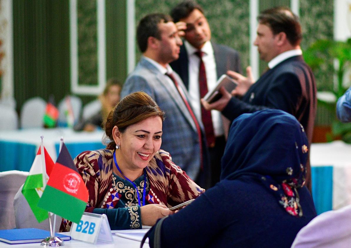 устный переводчик таджикского
